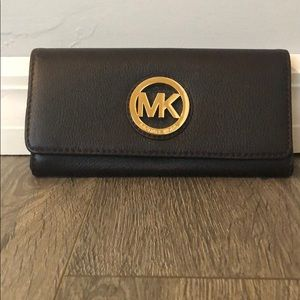 Dark brown women's Michael Kors wallet